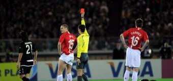 10 красных карточек в футбольной истории, полученных менее чем минуту игры