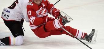 5-матчевую серию прервал «Спартак», разгромив «Трактор»