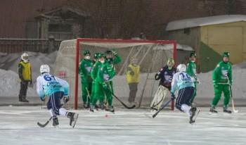 Результатом матча по хоккею с мячом стали 20 голов, забитые в свои ворота